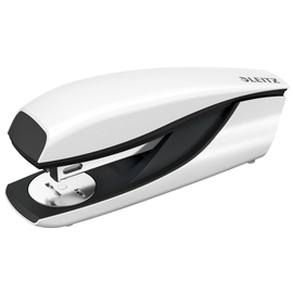 Heftgerät NeXXt 5502 WOW bis 30Blatt für 24/6+26/6 perlweiß Leitz 5502-10-01 Produktbild