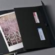 Notizbuch CONCEPTUM Softwave mit Magnetverschluss liniert A4+ 245x315mm 194Seiten schwarz Hardcover SIgel CO142 Produktbild Additional View 2 S