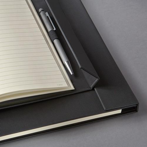 Notizbuch CONCEPTUM Softwave mit Magnetverschluss liniert A4+ 245x315mm 194Seiten schwarz Hardcover SIgel CO142 Produktbild Additional View 5 L